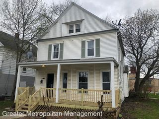 166 8th St NW, Barberton, OH 44203