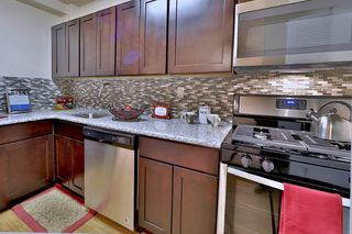 8 Poolside Ct, Catonsville, MD 21228