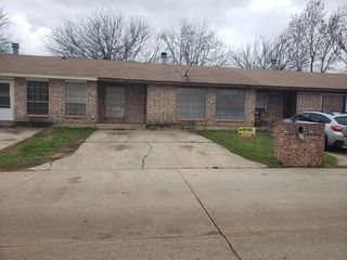 211 Kendra Dr, Midwest City, OK 73110