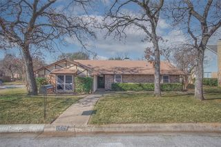 1508 Meadow Lane Ter, Fort Worth, TX 76112