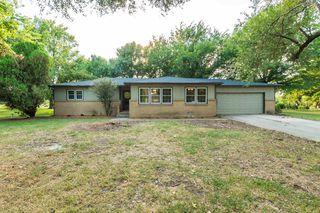 401 S Country View Ln, Wichita, KS 67235