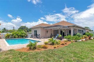 207 SW 11th St, Dania Beach, FL 33004