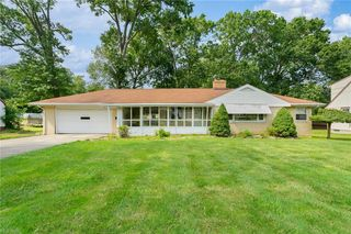 5348 W Rockwell Rd, Youngstown, OH 44515