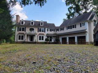 105 Fieldstone Dr, Basking Ridge, NJ 07920