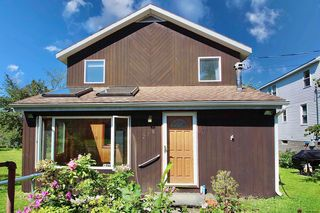 278 Forts Ferry Rd, Latham, NY 12110