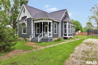 151 N East St, Farmington, IL 61531