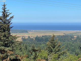 Pacific View Ln, Langlois, OR 97450
