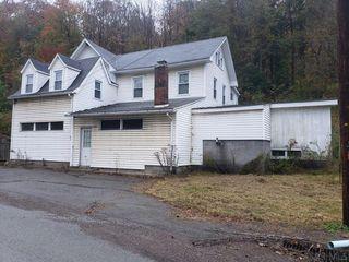 4251 Somerset Pike, Hollsopple, PA 15905