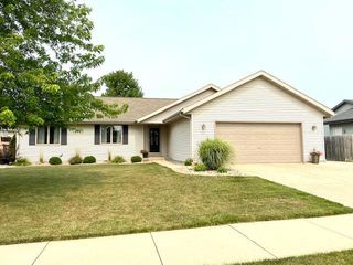 3239 N Wright Rd, Janesville, WI 53546