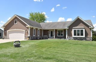 635 Woodland Cir, Waterford, WI 53185