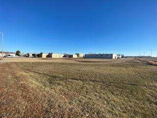 E Gateway Dr, Worthington, MN 56187