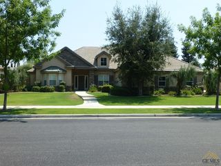 10701 Gainsborough Ct, Bakersfield, CA 93312