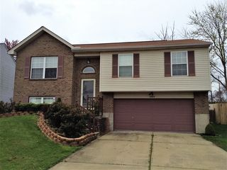 1064 Capitol Ave, Elsmere, KY 41018