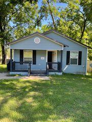 215 W Gates Ave, Longview, TX 75601