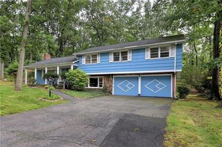 277 Lawrence Rd, Trumbull, CT 06611