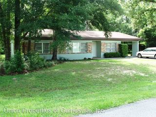 2015 NW 36th Dr, Gainesville, FL 32605