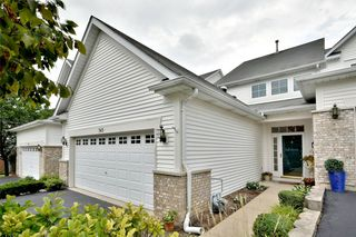 343 Hickory Ln, South Elgin, IL 60177