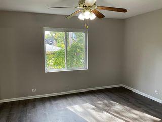 154 Green Bay Rd #2, Glencoe, IL 60022