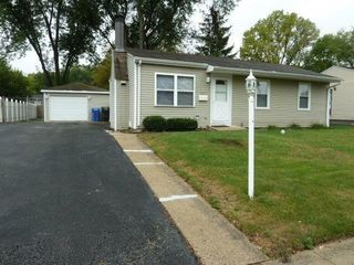 327 Four Winds Way, Carpentersville, IL 60110