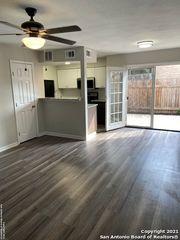 7322 Oak Manor Dr #8-A, San Antonio, TX 78229