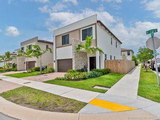 220 NE 210th Ter, Miami, FL 33179