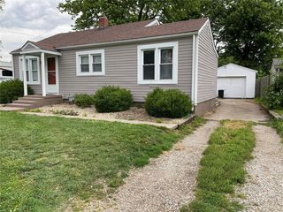 219 W County Rd, Jerseyville, IL 62052