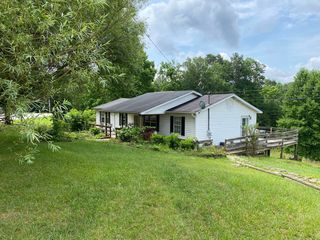 1556 Sandhill Rd, Whitley City, KY 42653