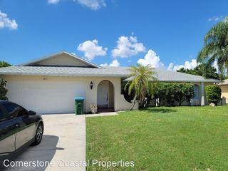 2312 Country Club Blvd, Cape Coral, FL 33990