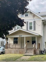 687 Excelsior Ave, Akron, OH 44306