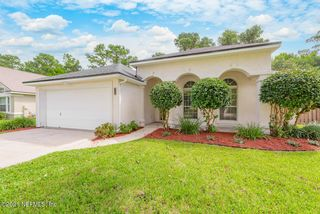 1779 Tall Tree Dr E, Jacksonville, FL 32246