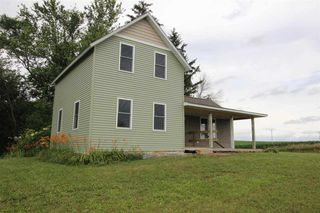 6945 70th Ave, Wyoming, IA 52362