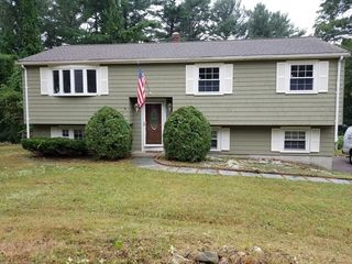 205 Carver Rd, Plymouth, MA 02360