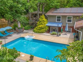 60 Imperial Ct, Asheville, NC 28803