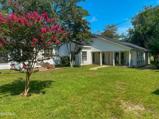 68 Holmes St, Lucedale, MS 39452