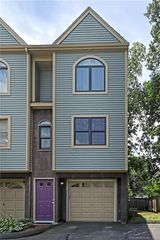 25 Rock Hill Rd #A, New Haven, CT 06513