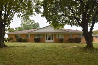 409 Center Rd, Bedford, OH 44146