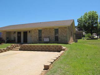 304 Mockingbird Ln, White Oak, TX 75693