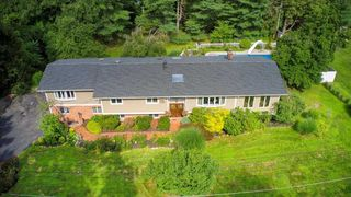 6 Meadowview Ln, Somers, NY 10589