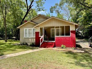 715 Riverside Dr, Kilgore, TX 75662