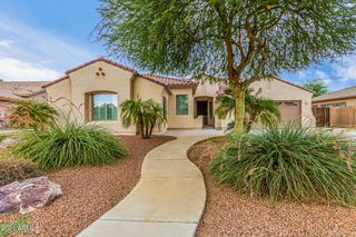 869 N Thunderbird Ave, Gilbert, AZ 85234