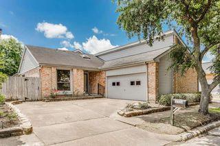 8511 Fawn Terrace Dr, Houston, TX 77071