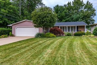 8243 Donald Dr, Mentor, OH 44060