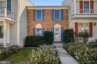 13209 Country Ridge Dr, Germantown, MD 20874