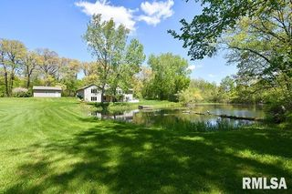 20503 Glenwood Rd, Coal Valley, IL 61240