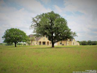 456 County Road 413, Waelder, TX 78959