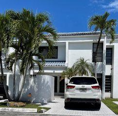 10209 SW 89th St, Miami, FL 33176