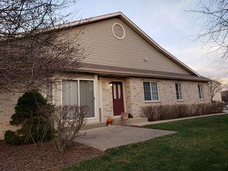 3326 Cottonwood Ct, Mchenry, IL 60051