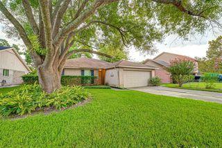 414 Fair Oak Dr, Stafford, TX 77477