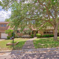 308 Oak Ridge Dr, San Marcos, TX 78666
