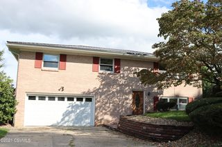 177 Fairsom Ct, Lewisburg, PA 17837